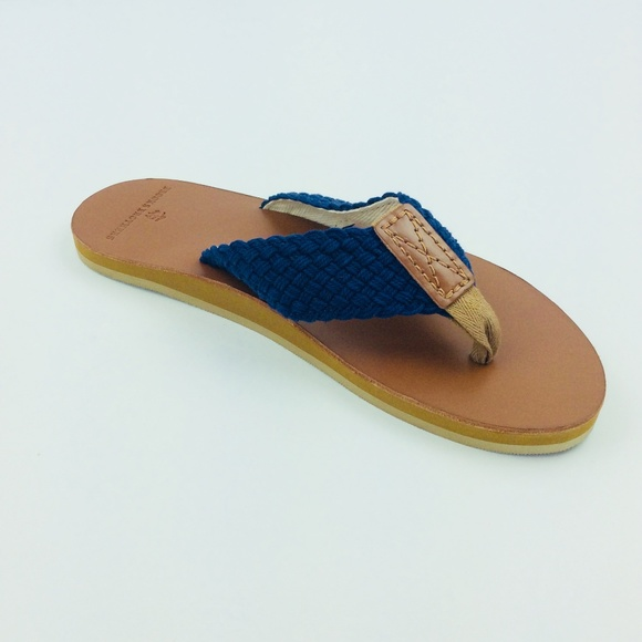 0ca4aec4bbd6 Men s Navy Flip Flops by Brooks Brothers 10M New